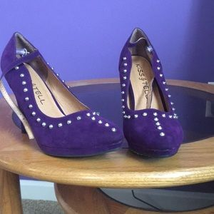 351ca17cea1 ... Purple high heeled shoes with spikes ...